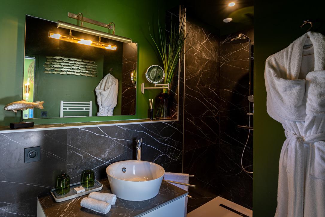 Le Globe- chambre supérieure- salle de bain